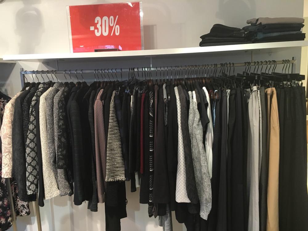 More&Moren mallikappaleet ja poistuvat Wolfordit -30 %