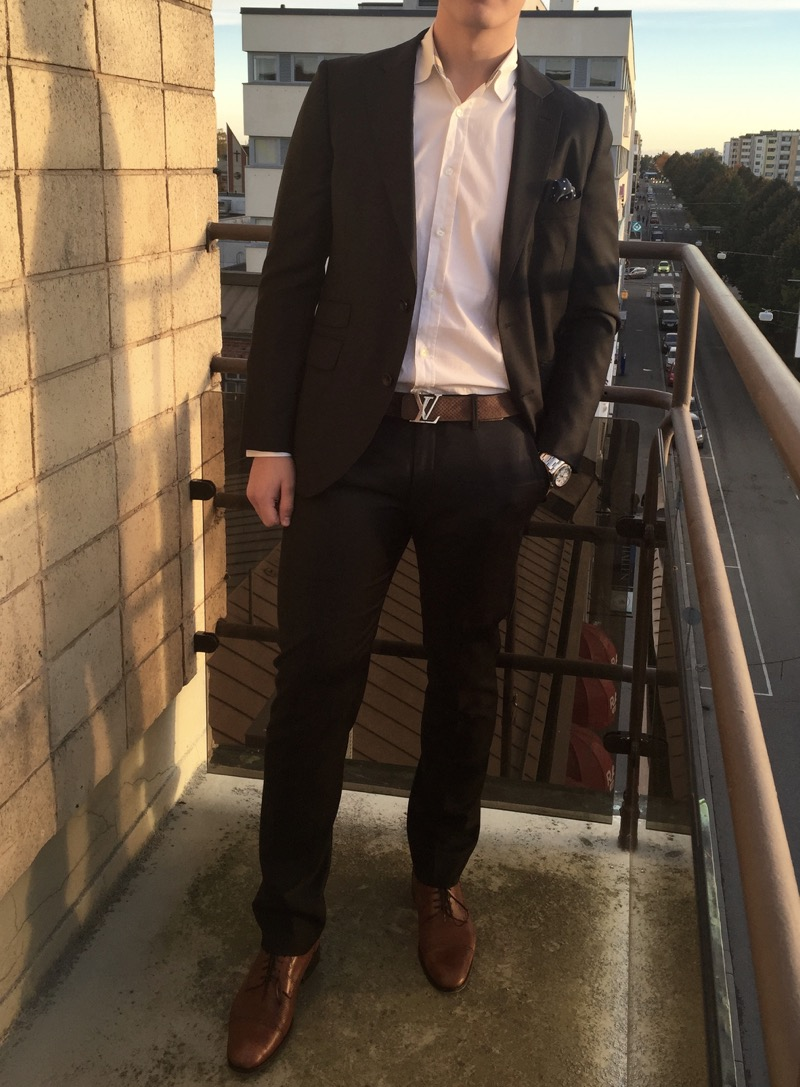 What is a Business Casual Dress Code? Tips and Examples in 2020