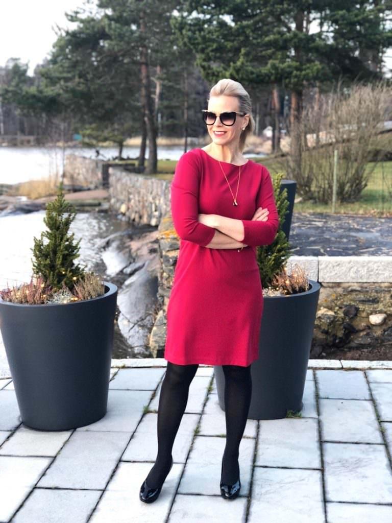 Jouluna pukeudutaan punaiseen asuun