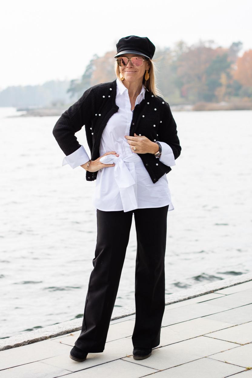 Leveälahkeiset housut ja housut yleensäkin