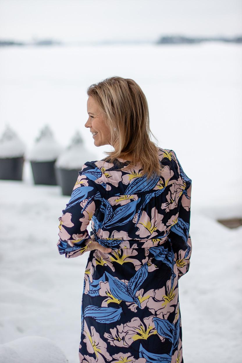 A- ja X-vartaloisen farkut ja mekko