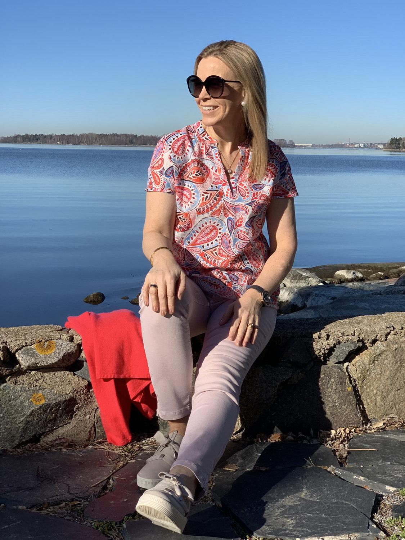 Hakuna Matata: Rosat ja vaaleansiniset farkut