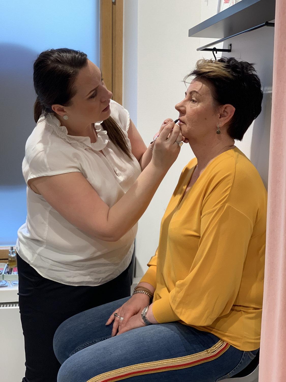 """Toukokuun """"kuukauden nainen"""": 54-vuotias rokkimimmi Maarit"""
