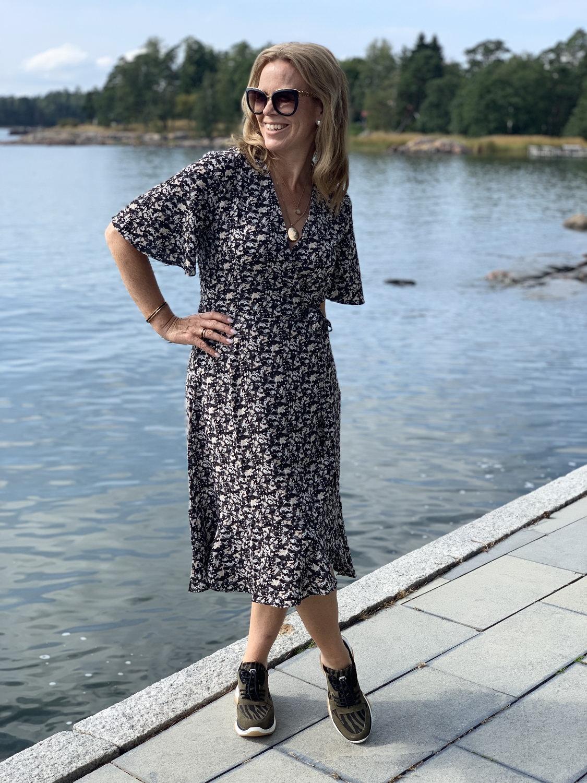 Vielä on kesää jäljellä Kael mekon kanssa