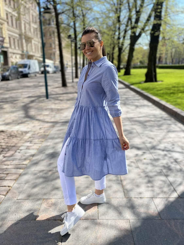 Pukeva ja näyttävä Luciana mekko