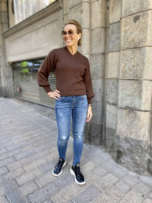 Celine Torn farkut lenkkareilla ja korkkareilla